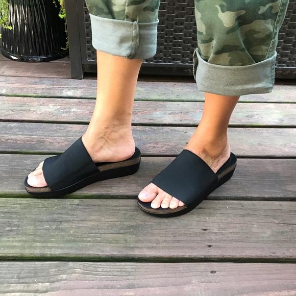Volatile Black Slides Sandals Wedge   Size 9